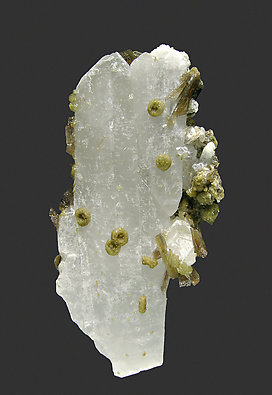 Ruifrancoite with Childrenite and Quartz.