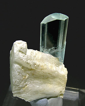 Beryl (variety aquamarine) with Albite. Rear