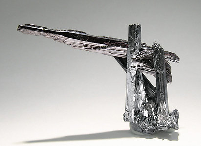 Kermesite with Stibnite. Rear