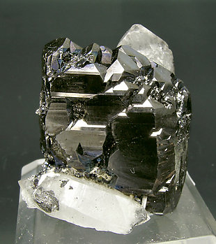 Sphalerite with Quartz. Front