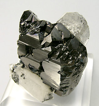 Sphalerite with Quartz. Top