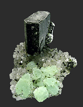 Babingtonite with Prehnite, Quartz and Epidote. Front