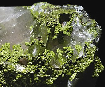 Mottramite with Calcite.