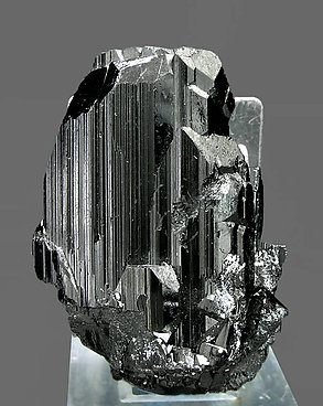 Ferberite with Quartz. Front