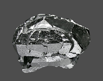 Ferberite with Quartz. Top