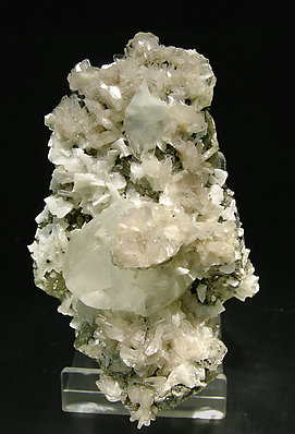 Baryte with Calcite, Dolomite and Fluorite.