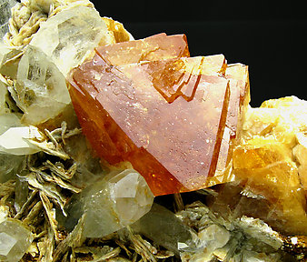Scheelite with Beryl and Muscovite.
