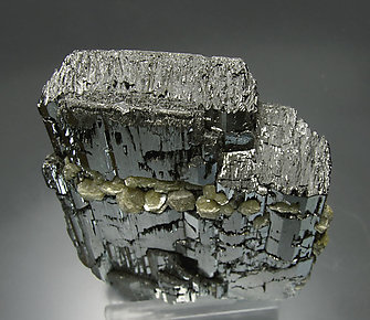 Ferberite with Muscovite and Siderite. Top