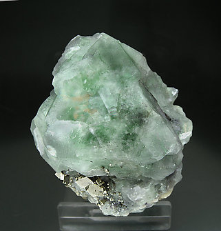 Octahedral Fluorite with Ferberite, Quartz and Pyrite. Side