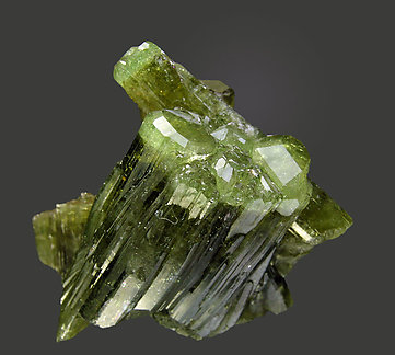 Vesuvianite. Rear