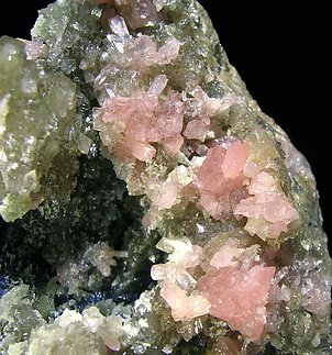 Correianevesite with Huréaulite, Strengite and Triphylite.