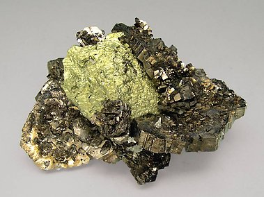 Pyrrhotite with Chalcopyrite. Front