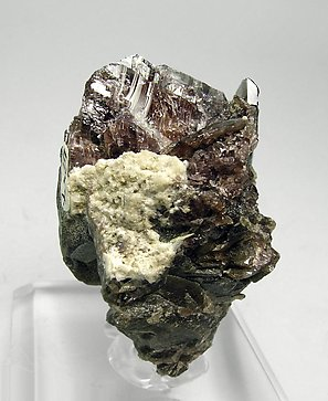 Axinite-(Fe) with Albite. Front