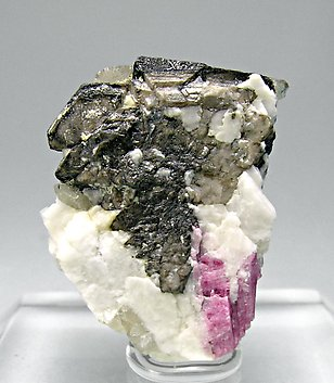Schiavinatoite with Elbaite, Danburite and smoky Quartz. Front
