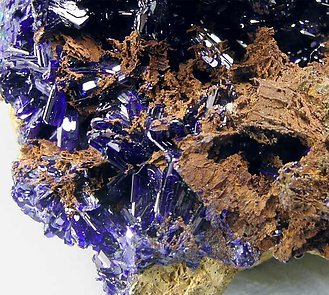 Azurite with Oxiplumboroméite and Calcite.