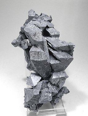 Hematite after Magnetite (variety martite).