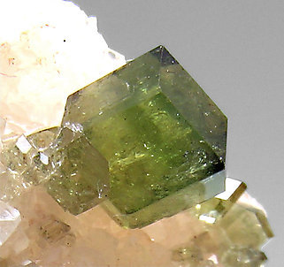 Uvite with Magnesite and Calcite.