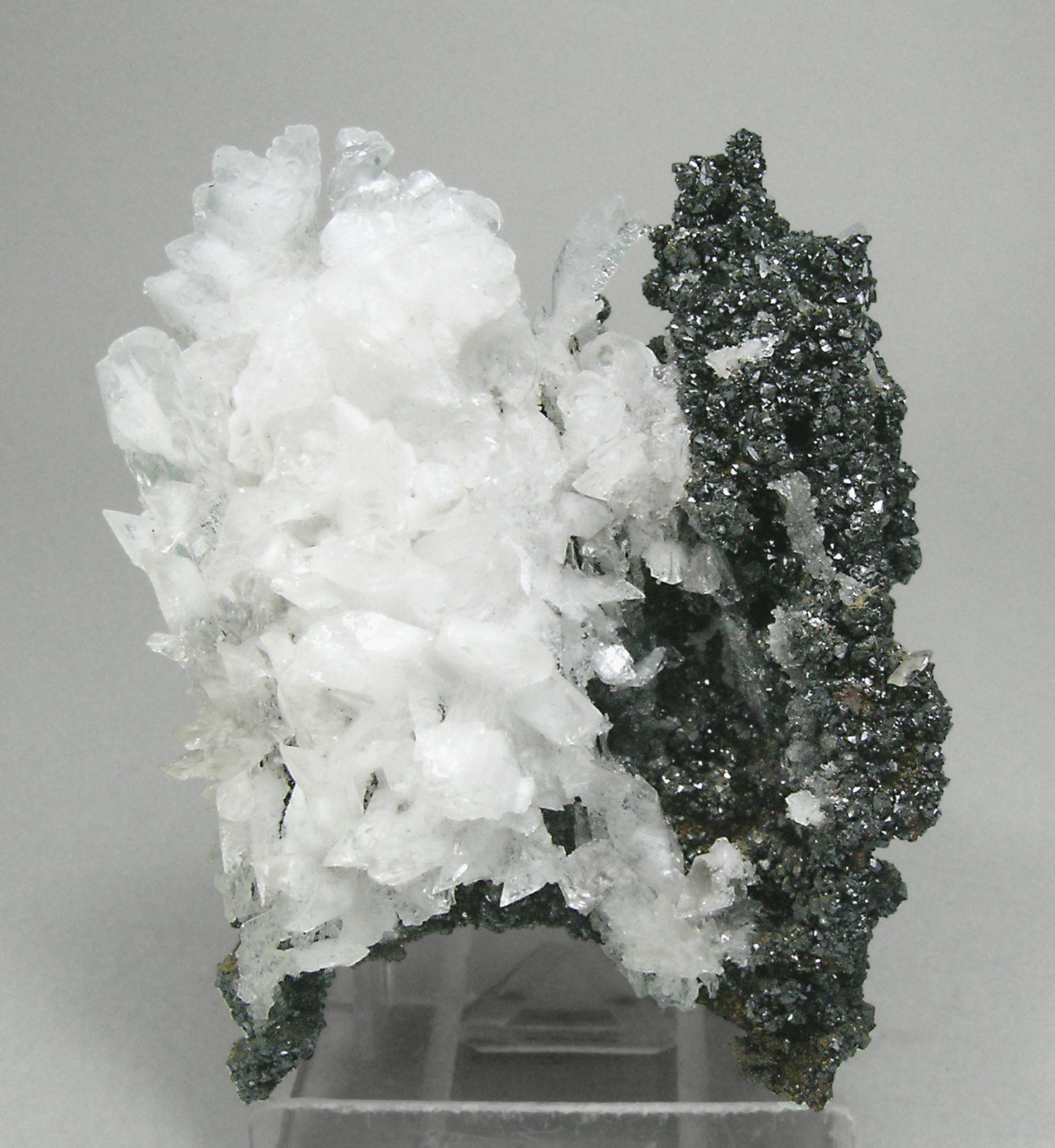 specimens/s_imagesM9/Descloizite-NV86M9f.jpg