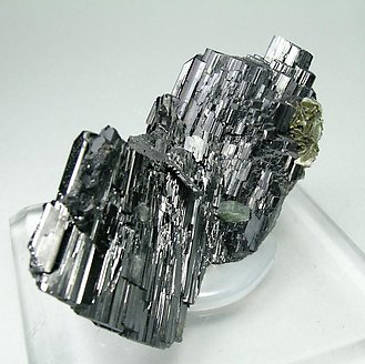 Ferberite with Fluorapatite and Mica.