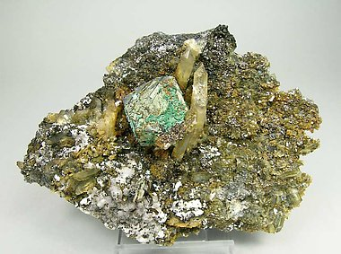Kësterite with Mushistonite, Quartz, Beryl and Calcite.