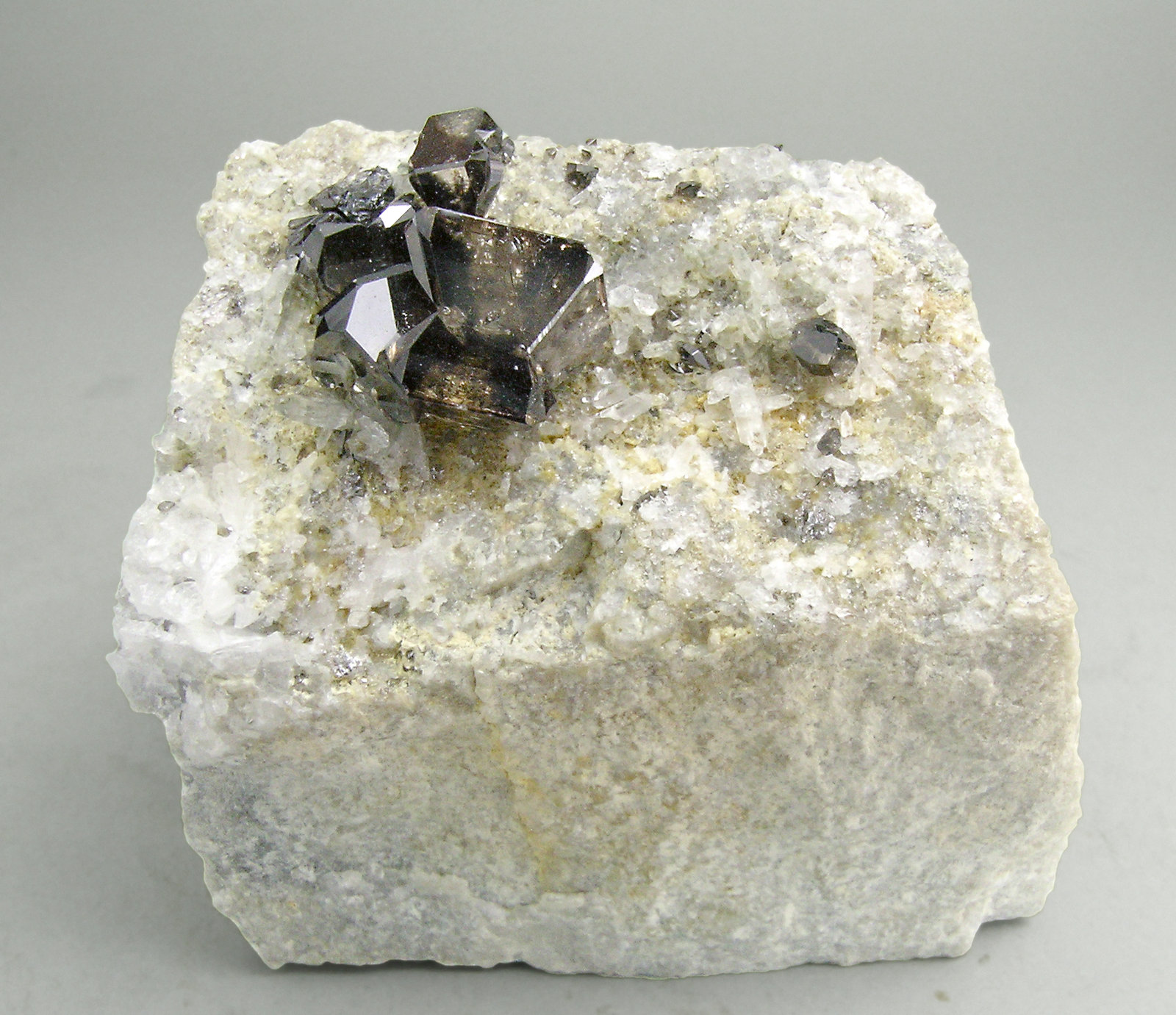 specimens/s_imagesN2/Cassiterite-AM47N2f.jpg