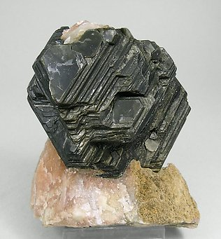 Phlogopite with Calcite.