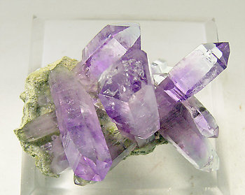 Quartz (variety amethyst). Top