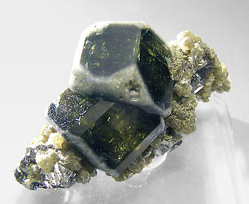 Fluorapatite with Muscovite and Arsenopyrite. Front