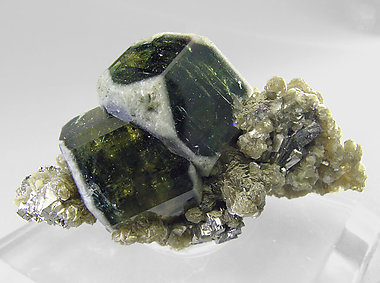 Fluorapatite with Muscovite and Arsenopyrite. Side