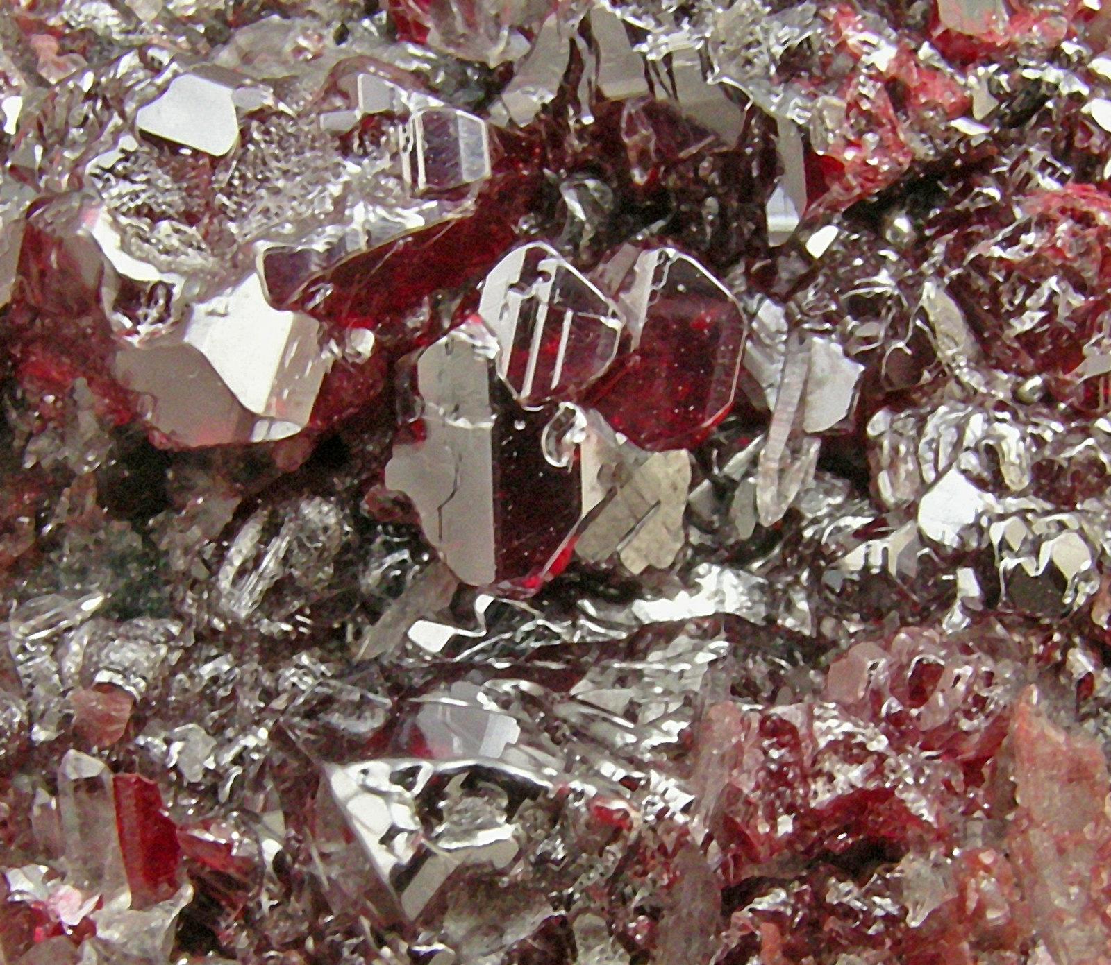 сколько она картинка кристалл ртути разных видов