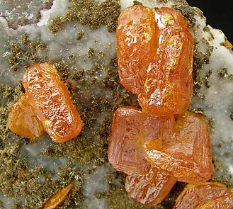 Wulfenite with Vanadinite (variety Endlichite) and Calcite.