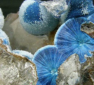 Shattuckite with Quartz.