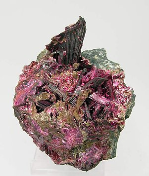 Erythrite with Quartz.