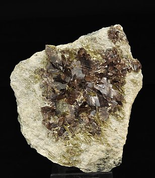 Axinite-(Fe) with Epidote and Quartz.