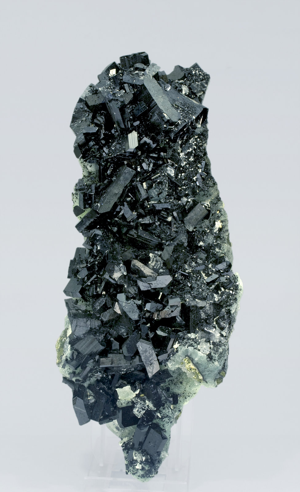 specimens/s_imagesR3/Babingtonite-TA98R3s.jpg