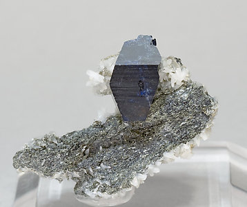 Anatase with Albite. Front