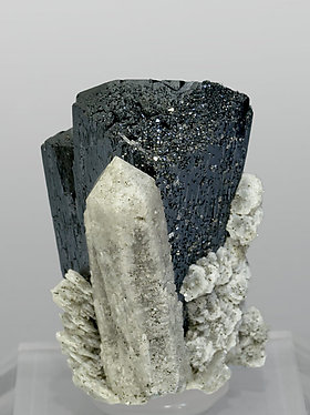 Ilvaite with Quartz and Calcite. Rear