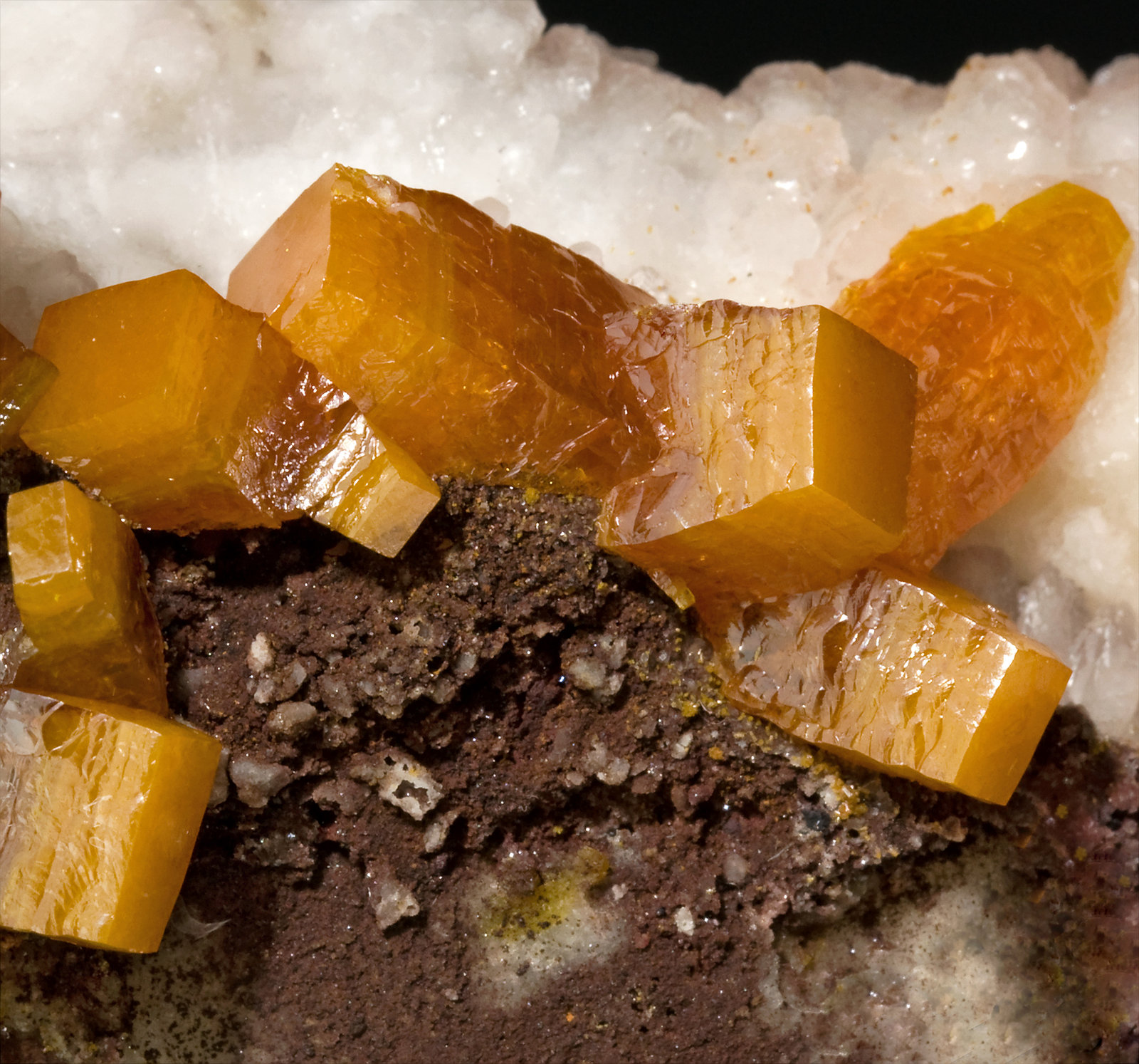 specimens/s_imagesS7/Wulfenite-RQ86S7d.jpg