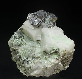 Gersdorffite with Calcite and Annabergite.