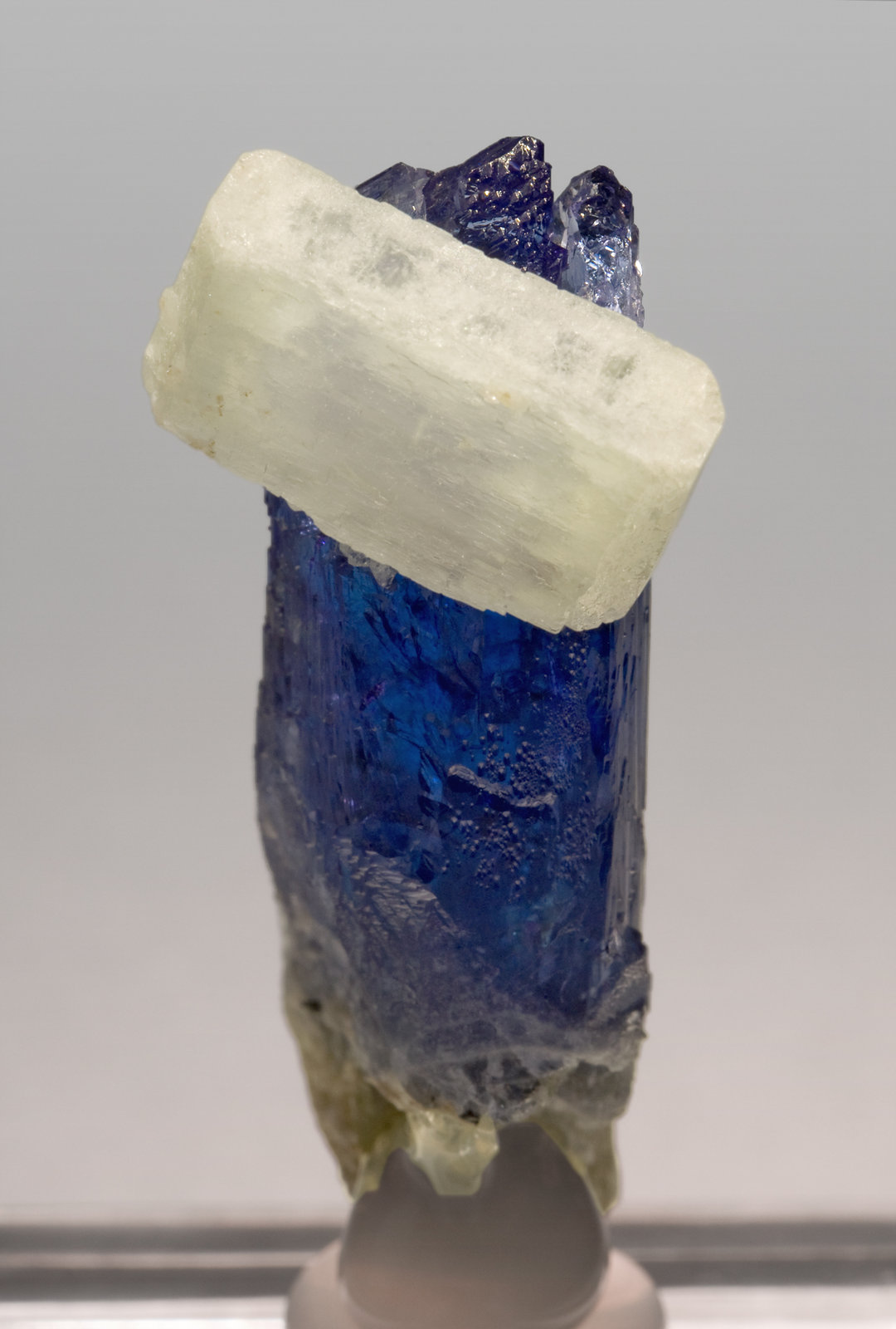 Zoisite (Tanzanite) with Prehnite