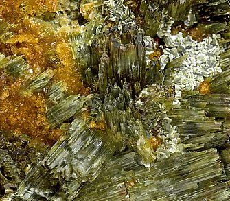 Vesuvianite with Grossular (Hessonite).