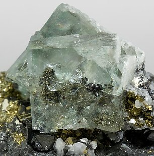 Fluorite with Pyrite, Sphalerite and Quartz.