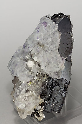 Fluorite with Ferberite, Calcite and Quartz. Side