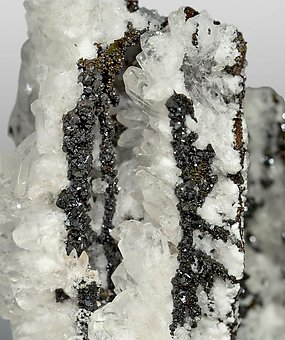 Descloizite with Calcite.