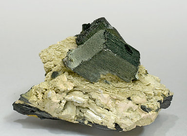 Arfvedsonite with Feldspar. Side