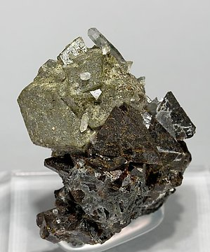 Genthelvite with Andradite. Front