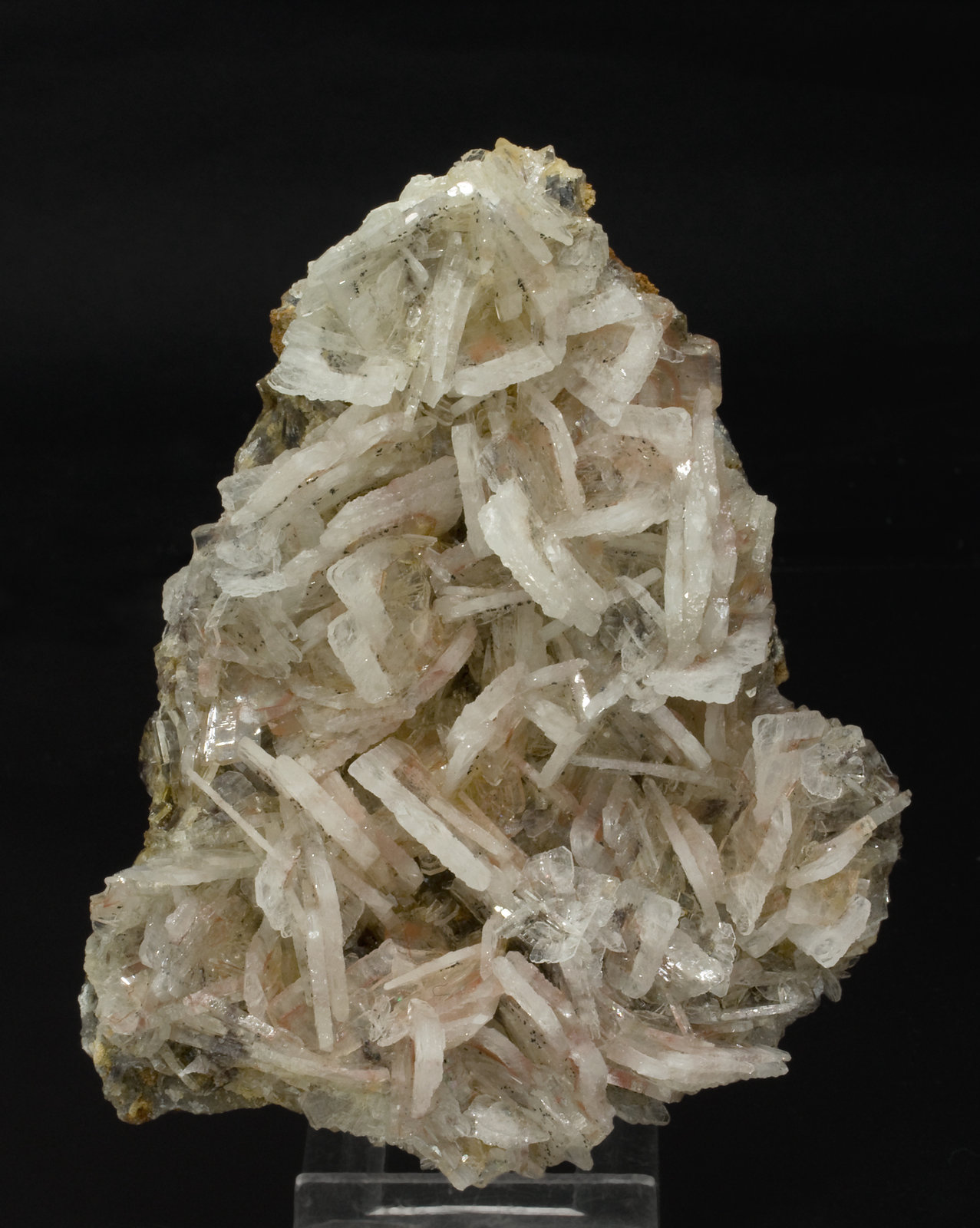 Barite with Realgar inclusions