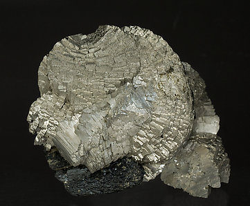 Arsenopyrite with Ilvaite. Front