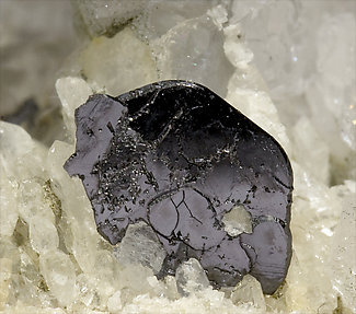 Ilmenite with Quartz.