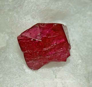 Twinned Spinel with Calcite.